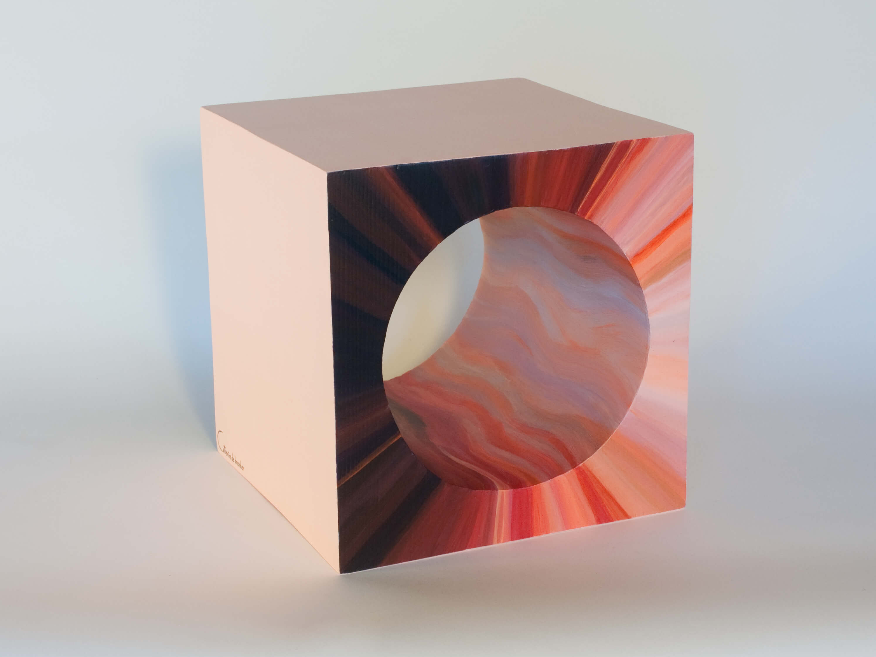 Sculpture MAGMA CUBE by Catherine De Bosscher
