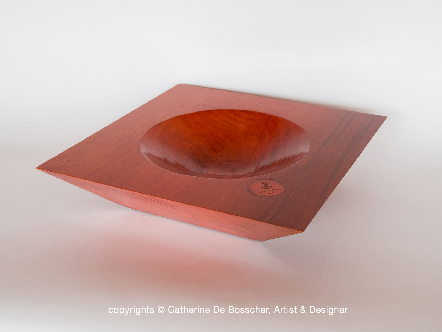 "Sculptural Bowl ""Eden"" in varnished wood by Catherine De Bosscher"